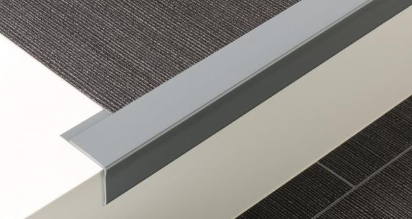 Weich-PVC Treppenkante (45/42/2,5)