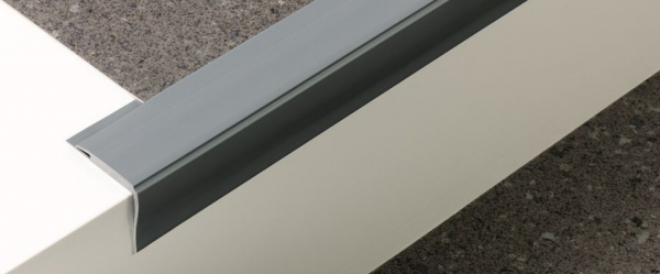 Weich-PVC Treppenkante (30/42/3)