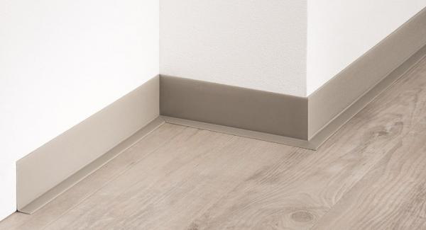 PVC-Weichsockelleiste (50/15), selbstklebend