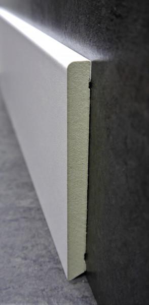 Feuchtigkeitsbeständige MDF-Sockel 12 x 120 mm