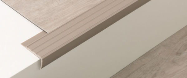Weich-PVC Treppenkante (40/25/2)